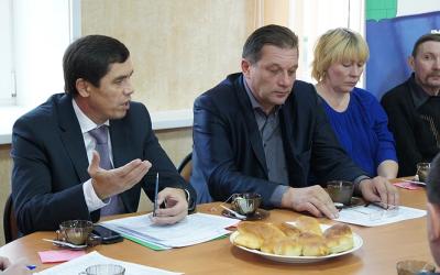 Разговор за чаем с пирогами: бизнесмены поинтересовались у Альфира Бакирова, какое будущее ждет сферу предпринимательства ярославского региона